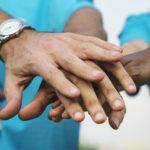 『偽善』と『善』の違いって何?正しい善行・ボランティアの特徴